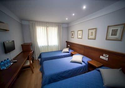 Habitación triple del Hotel Alba de Soria